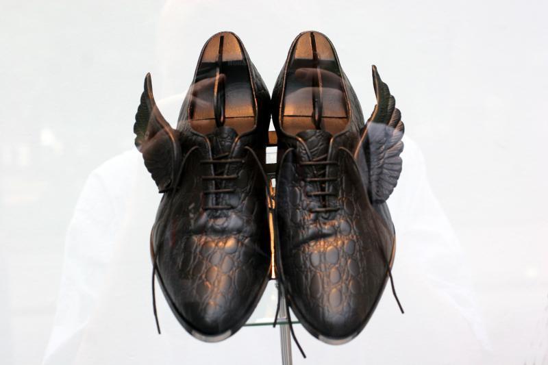 wingedshoes.jpg